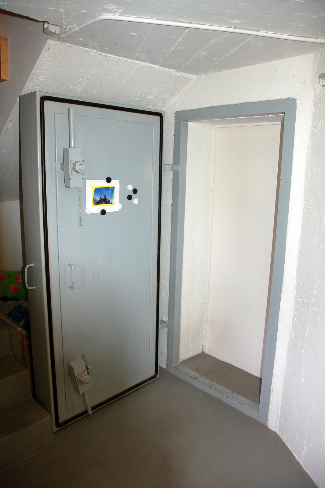 Newsletter des baudet en suisse edition d 39 octobre 2012 la vache suisse - Construction abri anti atomique ...
